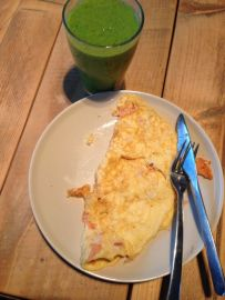 smoothie + omelet